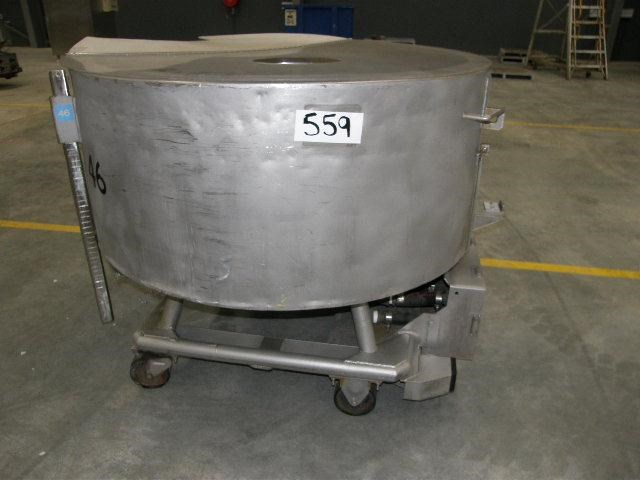stainless steel jacketed tank 700lt 80109 001
