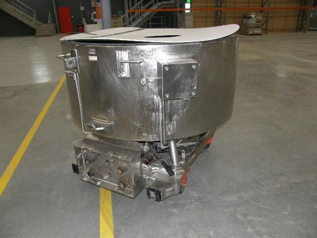 stainless steel jacketed tank 700lt 80111 003