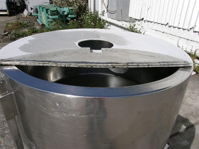 stainless steel jacketed tank 700lt 80111 005