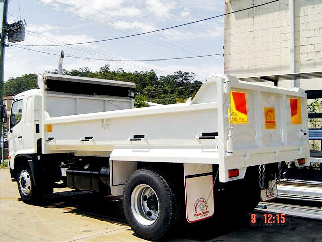 bodies to suit single axle trucks bodies 86381 001