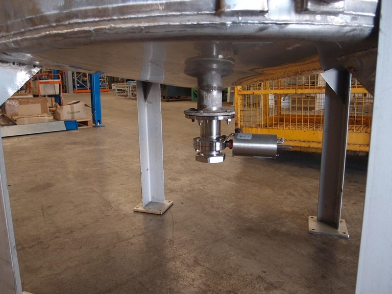 stainless steel jacketed mixing tank 3,000lt 103146 009