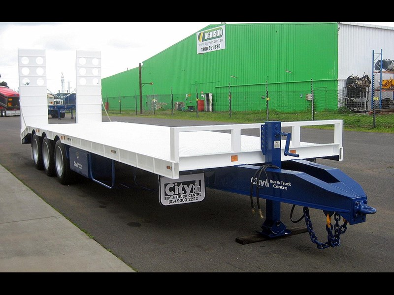 cbtc new tri / tandem & single axle tag trailers. 13648 005