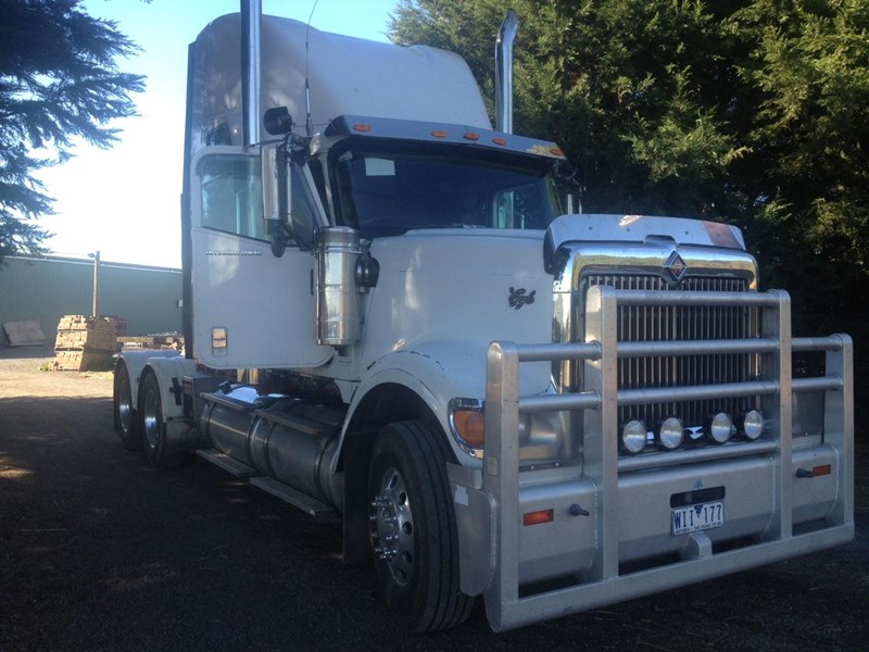 international 9900i  eagle 106632 001