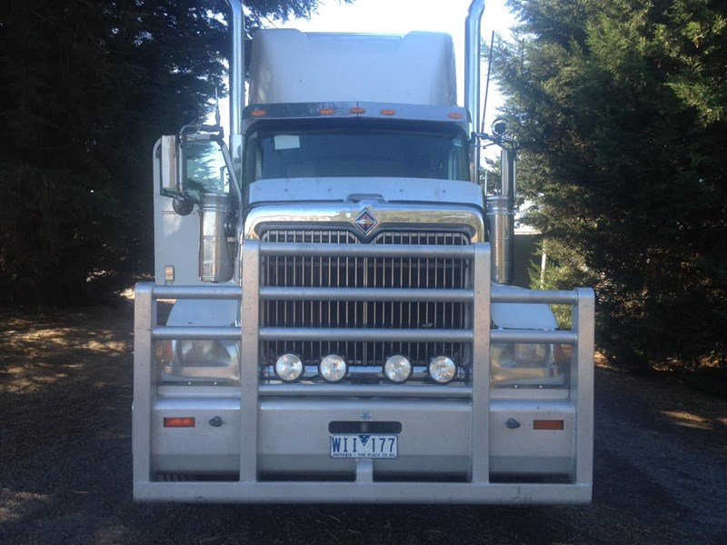 international 9900i  eagle 106632 003