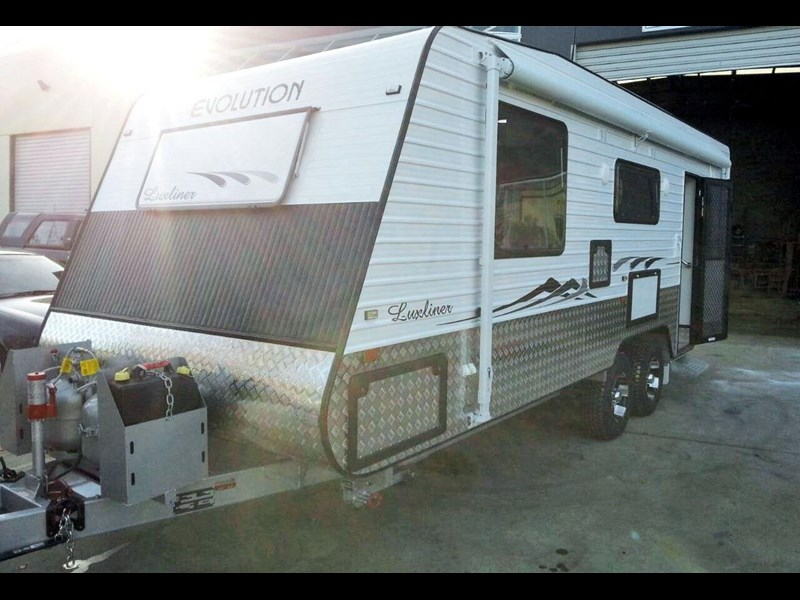 evolution luxliner 22'8'' 111696 001
