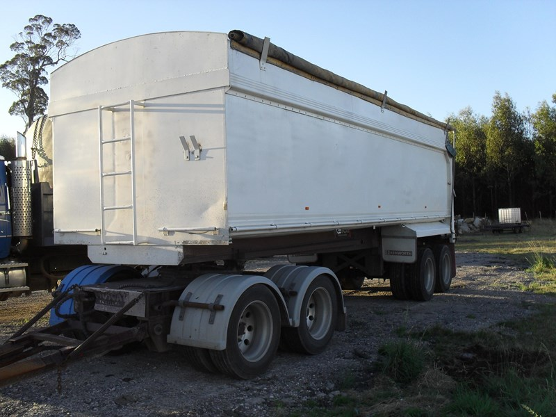 muscat trailers quad dog 116904 001