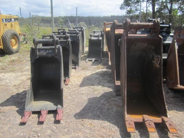 various 2016 trench buckets 8 tonne to 45 tonne 125035 003