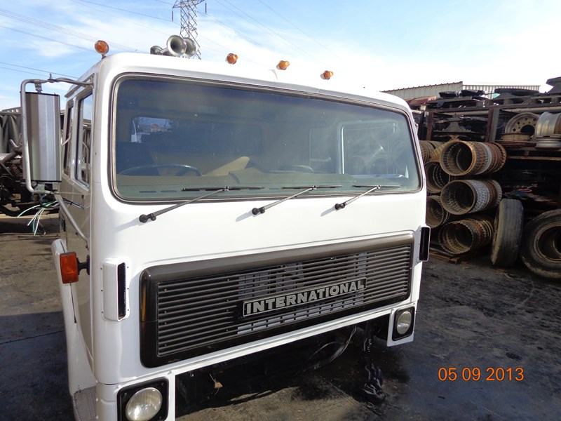 international t2670 cab 128668 001