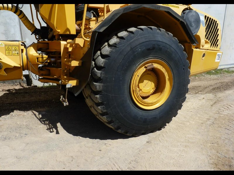 volvo a40d 130560 005