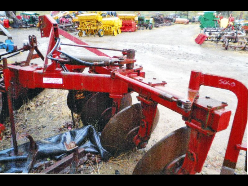 international 4 disc reversable plough 3pl 145598 001