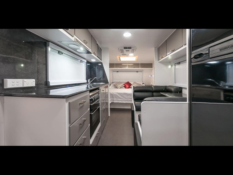 evolution luxliner 21' 148625 009