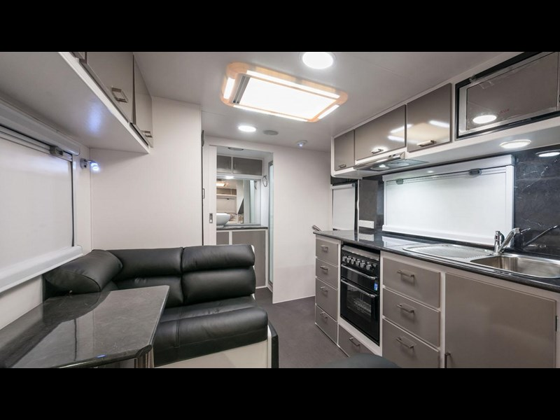 evolution luxliner 21' 148625 011