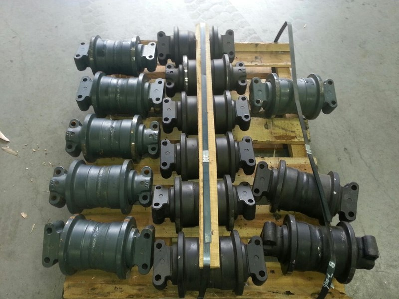 hitachi hitachi track rollers to suit uh03 up to uh063. 9616354 151419 001