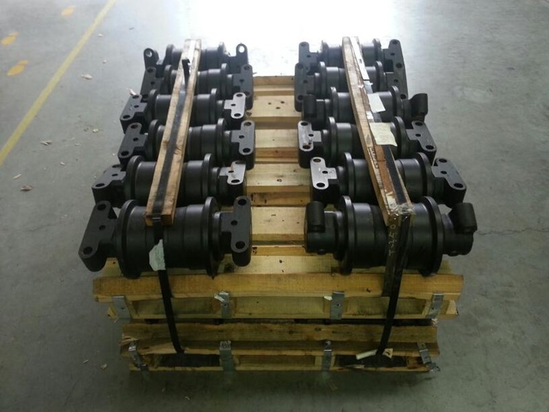 unknown track rollers to suit case 101, 115, 125, 1088 & 1188. p224345g 151465 001
