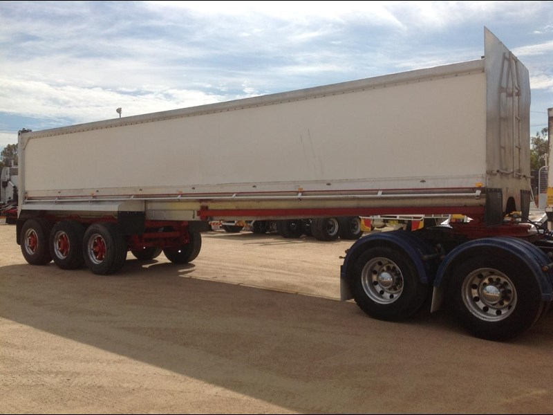 hockney alcan aluminium tri axle 135419 007