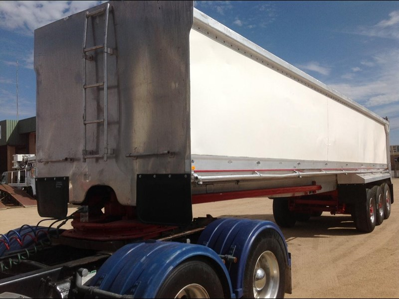 hockney alcan aluminium tri axle 135419 009
