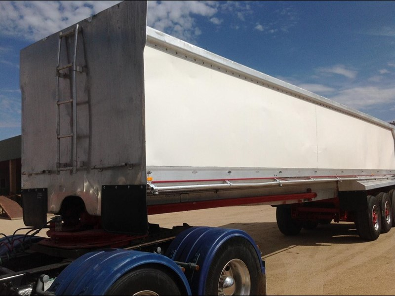 hockney alcan aluminium tri axle 135419 011