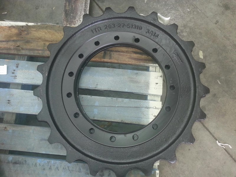 komatsu komatsu sprockets to suit pc100 up to pc138. 203-27-51310 152183 001