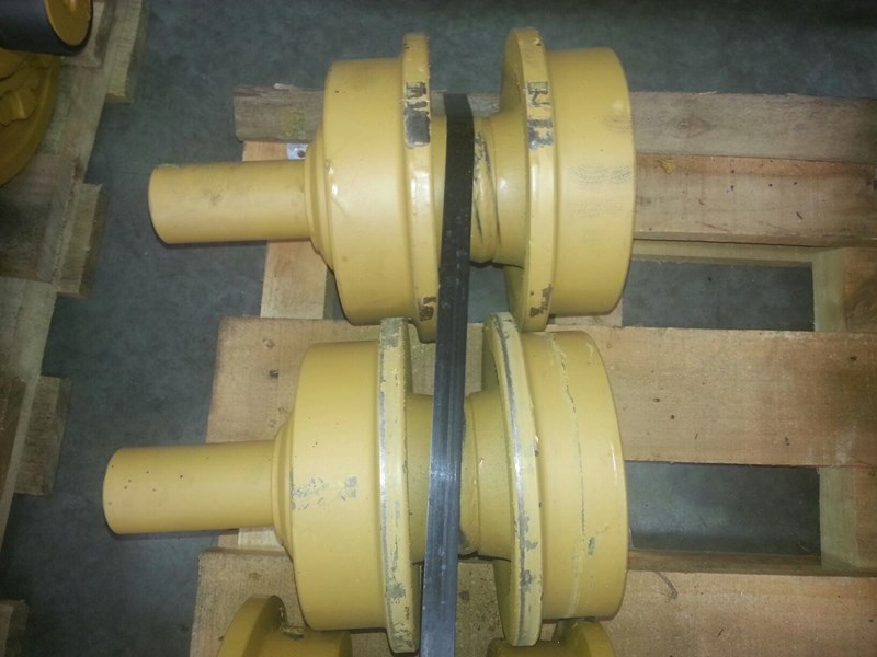 caterpillar caterpillar top rollers to suit cat d6h/r/t & cat 963. 6y1781 152147 001