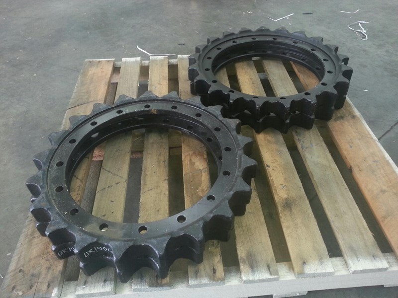 caterpillar caterpillar sprockets to suit cat 315 up to cat 324. 8e9805 152191 003