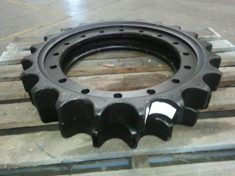 hitachi hitachi sprockets to suit ex150 up to ex230 & zx180 up to zx240 153831 003