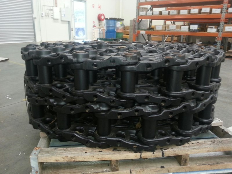komatsu komatsu greased track chains to suit pc250-6 up to pc360-7. 207-32-00141 159403 003