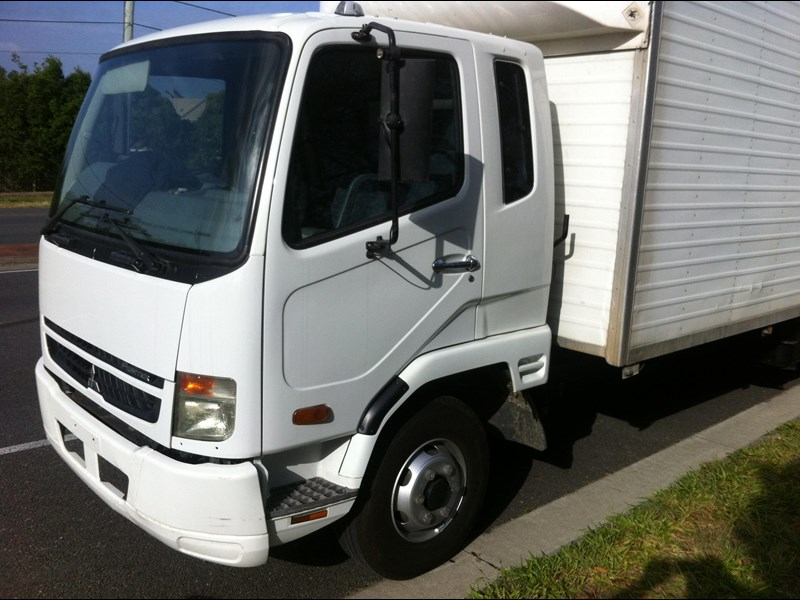 fuso fighter 160632 002
