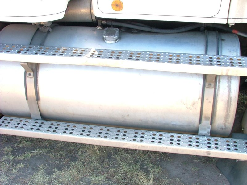 freightliner alloy fuel tanks and brackets 162439 001