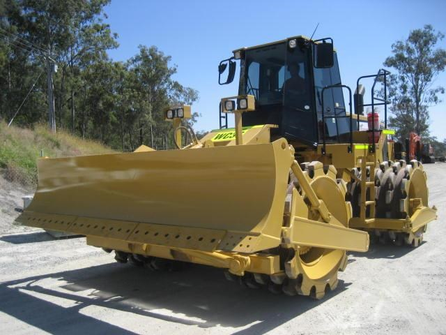 caterpillar 825g (rent me  or buy me) 105229 001