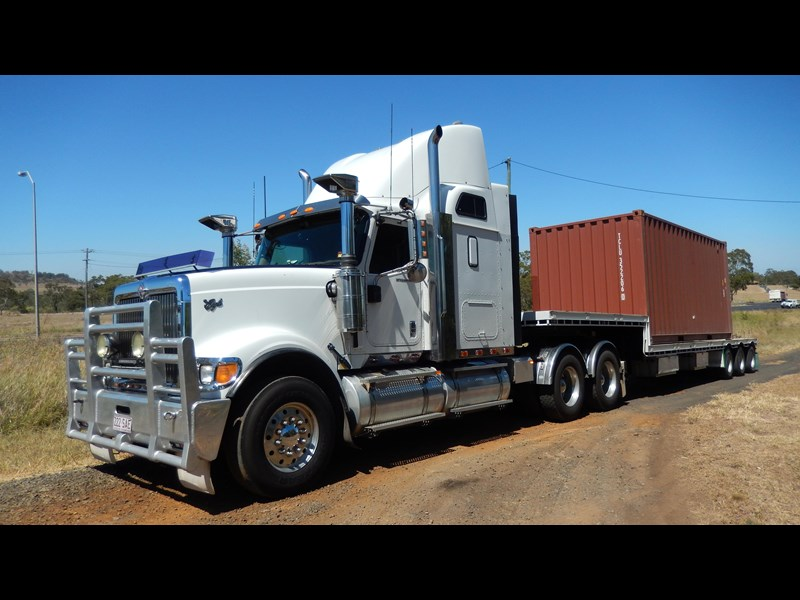 international 9900i  eagle 162982 005