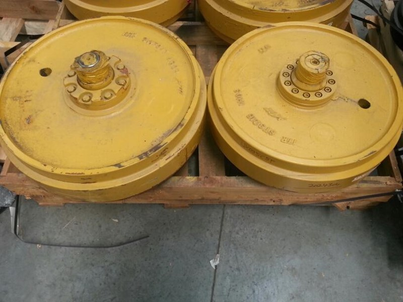 caterpillar caterpillar idler with shaft to suit cat d6h/r/t. 1343952 163535 003