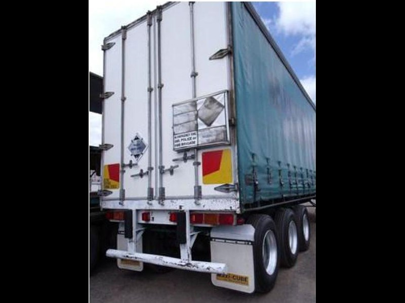 freighter tri axle 40ft curtainside trailer 164029 025