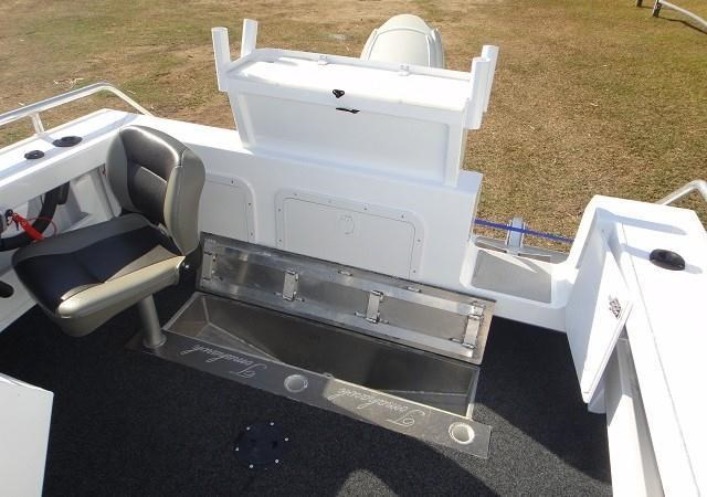 formosa tomahawk offshore 520 side console 179691 033