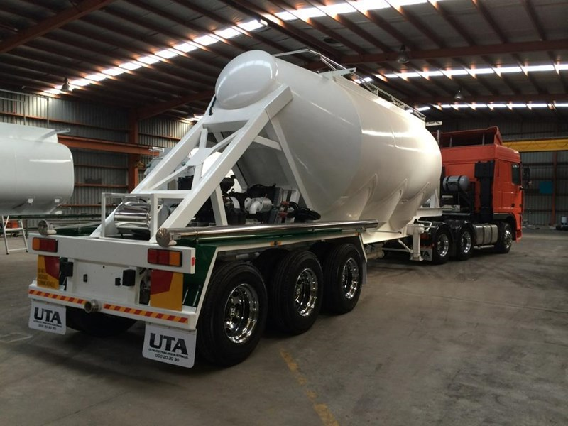ultimate bulk dry cement tanker with blower 101460 001