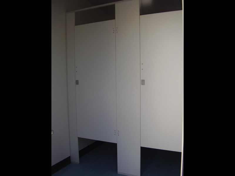 mcgregor 6.0m x 3.0m toilet block 188957 002