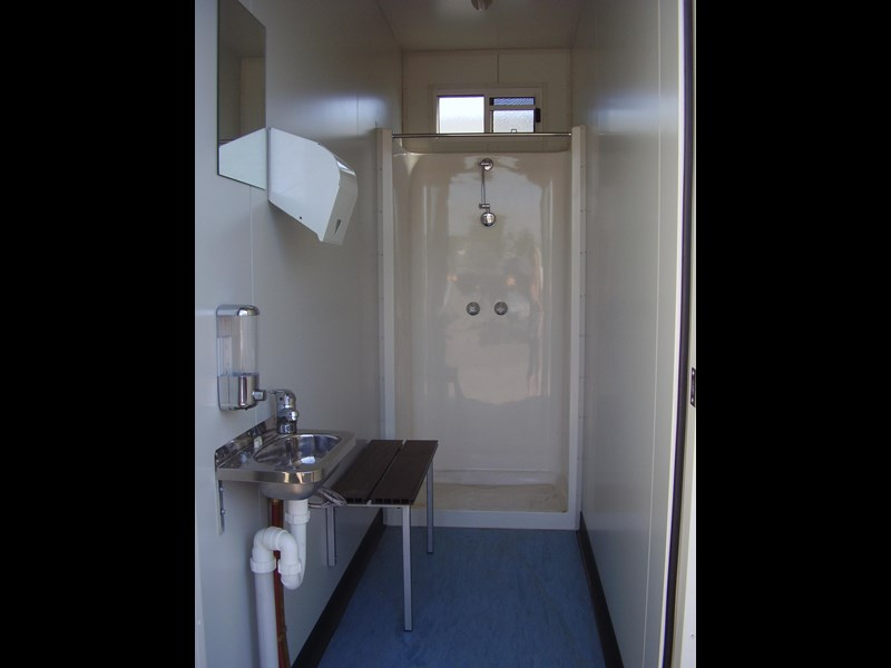 mcgregor 6.0m x 3.0m toilet block 188957 004