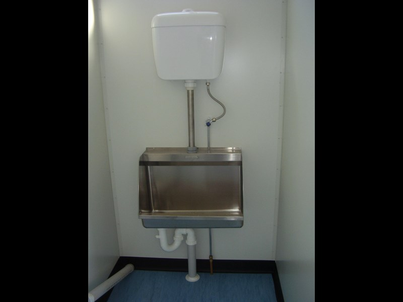 mcgregor 6.0m x 3.0m toilet block 188957 007