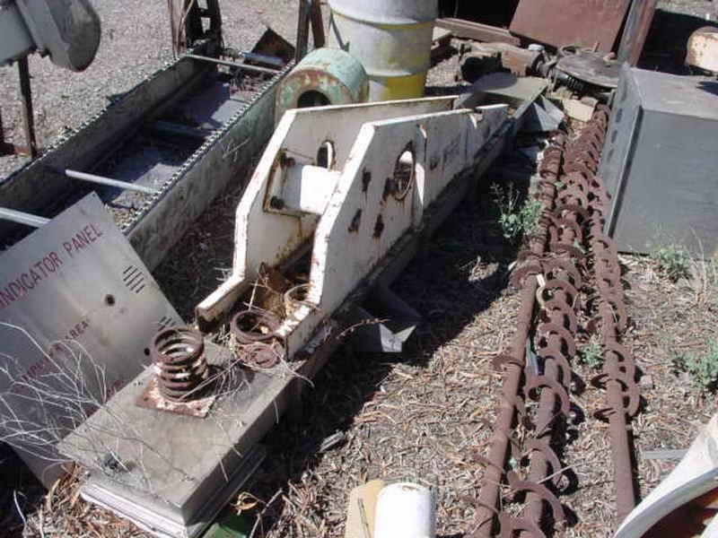 unknown vibrating conveyor 208843 002