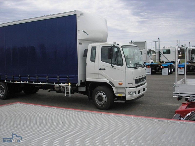 fuso fighter 211184 012