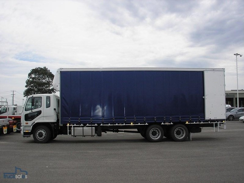 fuso fighter 211184 014