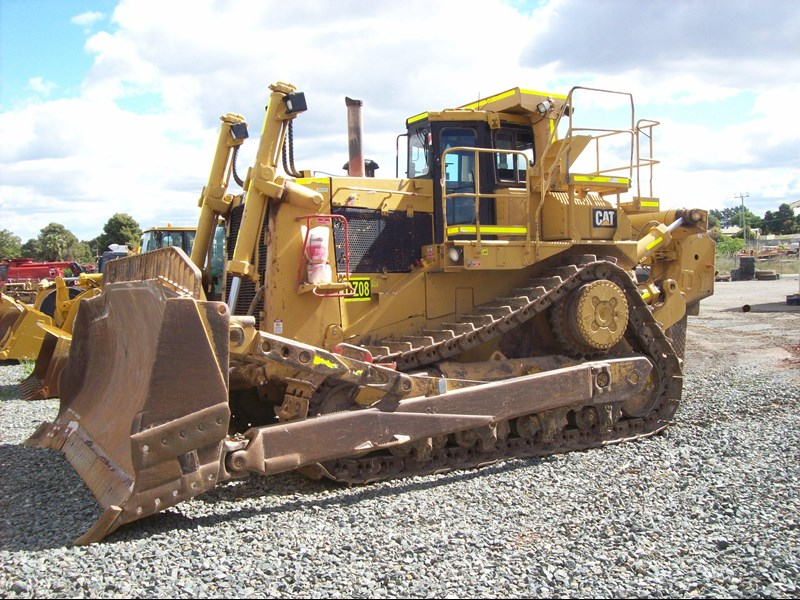 caterpillar d10n dozer 211684 012