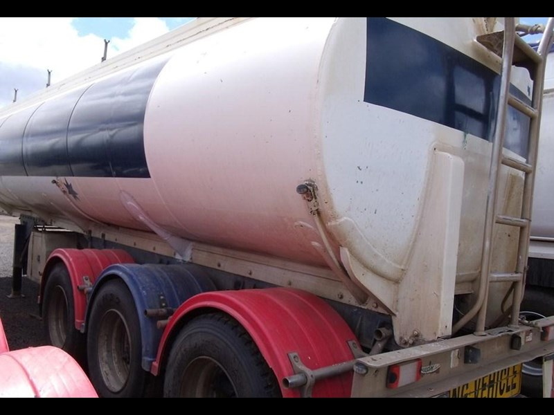 custom hockney tri axle water tanker 212881 007