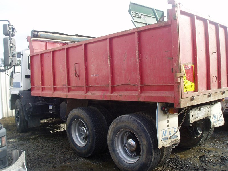 ford cargo 216332 007