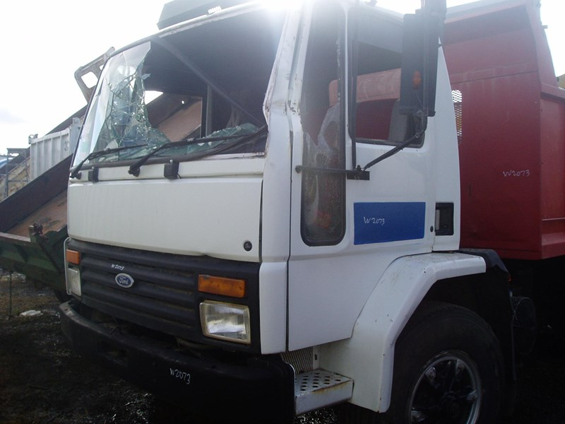 ford cargo 216332 001