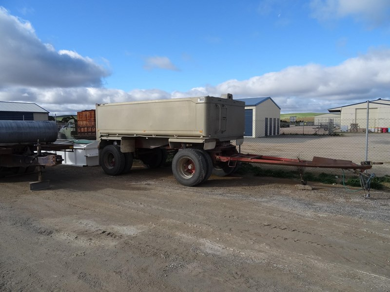 dog trailer 2 axle 220481 001