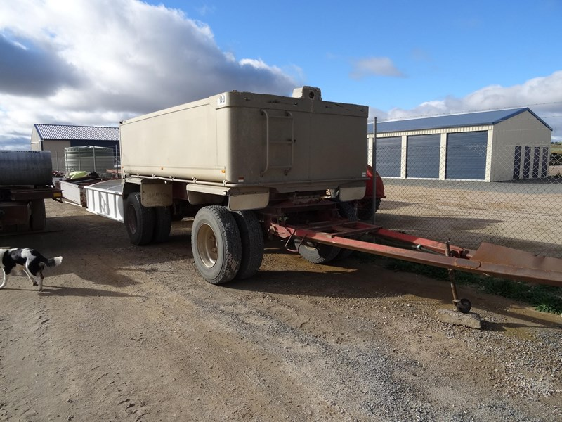 dog trailer 2 axle 220481 009