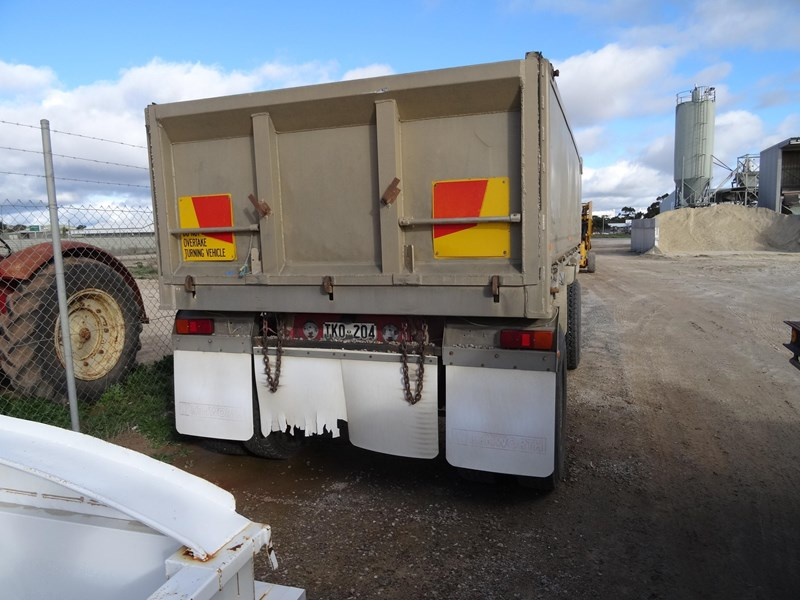 dog trailer 2 axle 220481 002