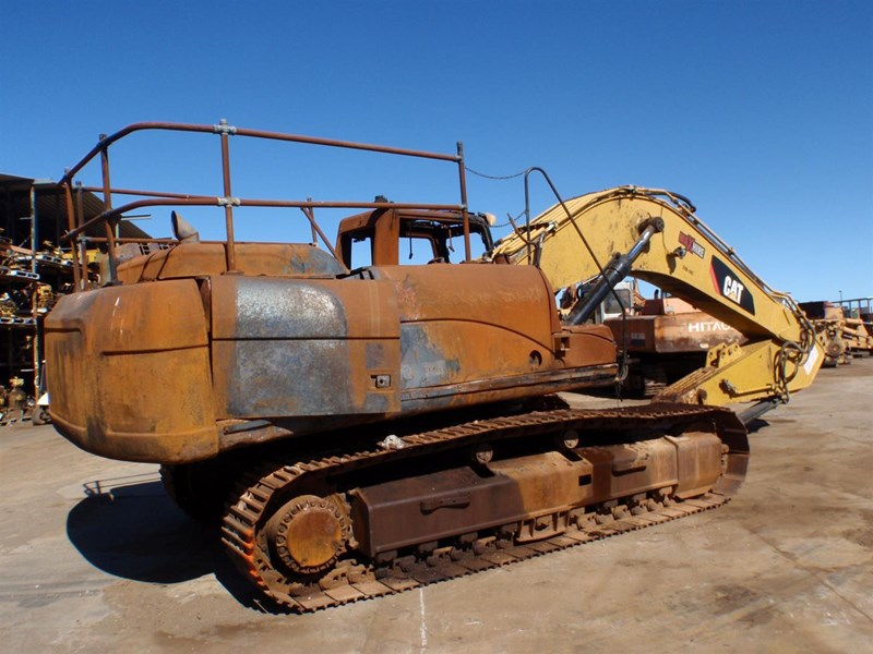 caterpillar 330dl 221661 005