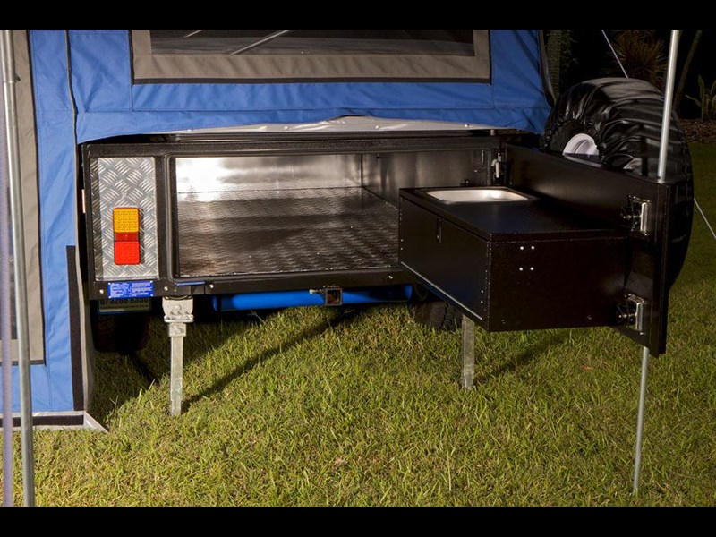 lifestyle camper trailers walkthru 25560 009