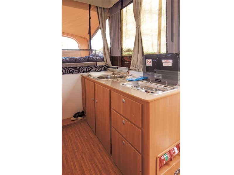 jayco swift on road 40734 009